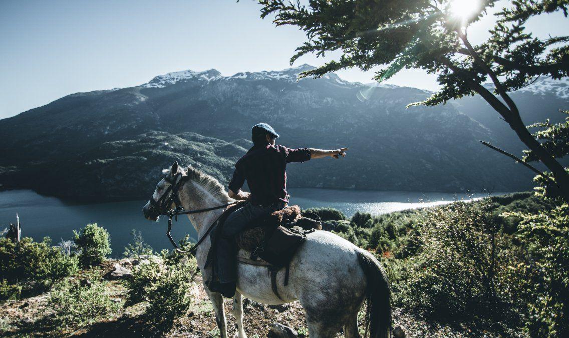 Cabalgatas y caminatas en Palena forman parte de la oferta de Turismo Antuhuya.