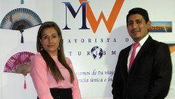 Mónica Osorio, gerenta General y; Wilmer Constante, gerente Comercial de MW Turismo.