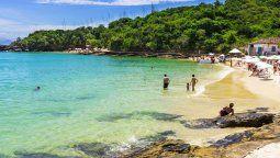 Un juez revocó la sentencia que establecía un plazo de 72 hs. para que los turistas abandonaran el balneario de Búzios.