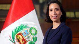 Claudia Cornejo entregó el informe de gestión de Mincetur.