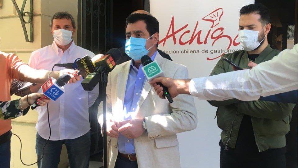Achiga pide abrir restaurantes en zonas en Fase 3.