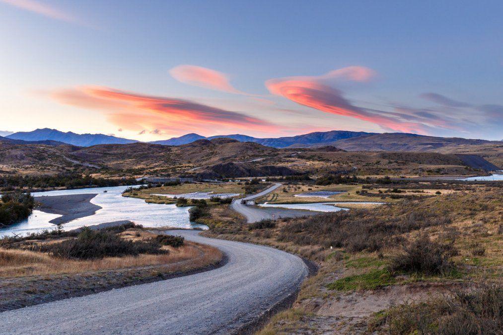 En la feria están presentes destinos turísticos a lo largo de Chile.
