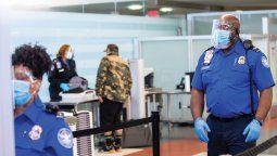 La TSA de Estados Unidos extendió el uso de mascarillas faciales hasta septiembre.