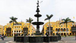 Plaza Mayor de Lima. La DGAC resolvió el problema de los vuelos de Lima a Buenos Aires.