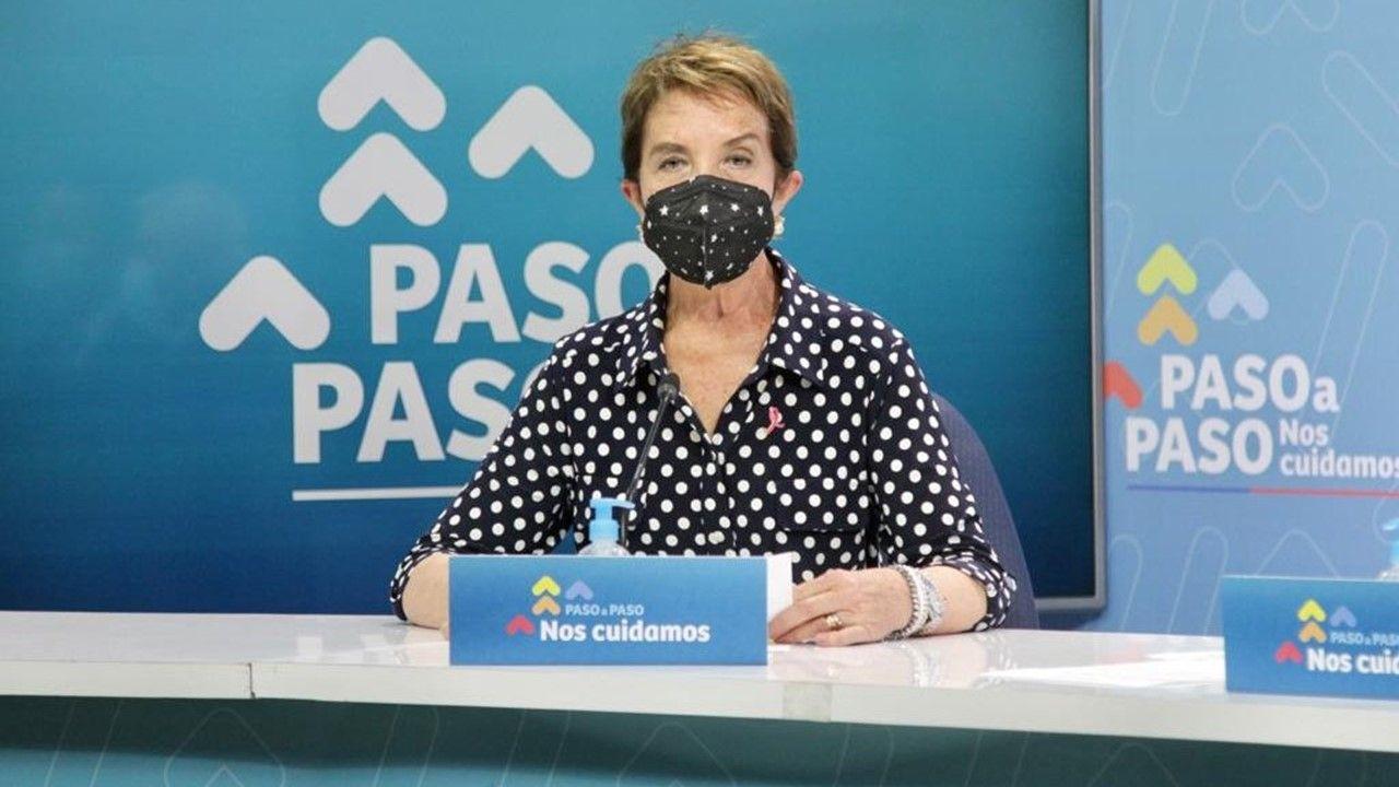 Ministra de Transportes, Gloria Hutt.
