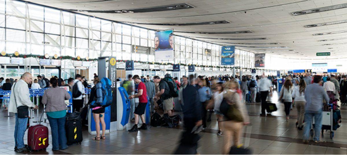 Estadounidenses llenan aeropuertos europeos luego del anuncio de Trump