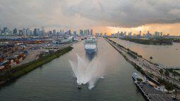 El Freedom of the Seas, de Royal Caribbean, en el puerto de Miami.