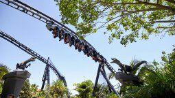 Jurassic World VelociCoasterse inauguró oficialmente el 10 de junio en Universal Orlando Resort.