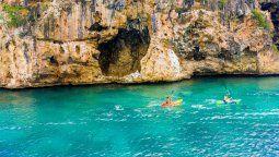 Anguilla eliminó el requisito de cuarentena obligatoria de cuatro días para todos los visitantes.
