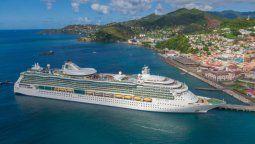 Los cruceros de Royal Caribbean ya están operativos con tripulación y pasajeros que recibieron la vacuna.