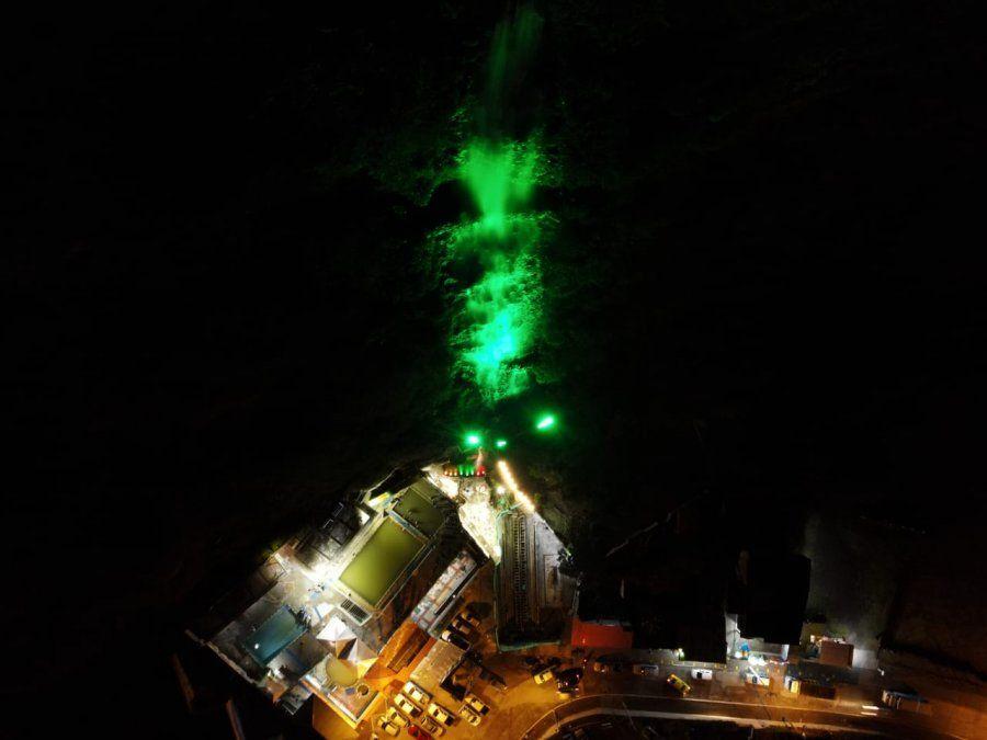 Baños se potencia con iluminación nocturna en sectores estratégicos.