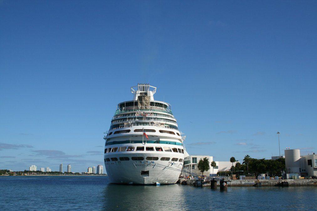 Cruceros quedan en una encrucijada legal en Florida