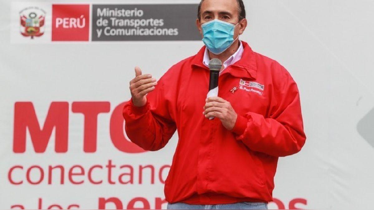 Carlos Esttremadoyro habla sobre vuelos internacionales