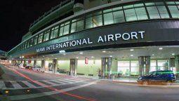 En el Aeropuerto Internacional de Miami se vacuna gratuitamente contra el Covid-19.