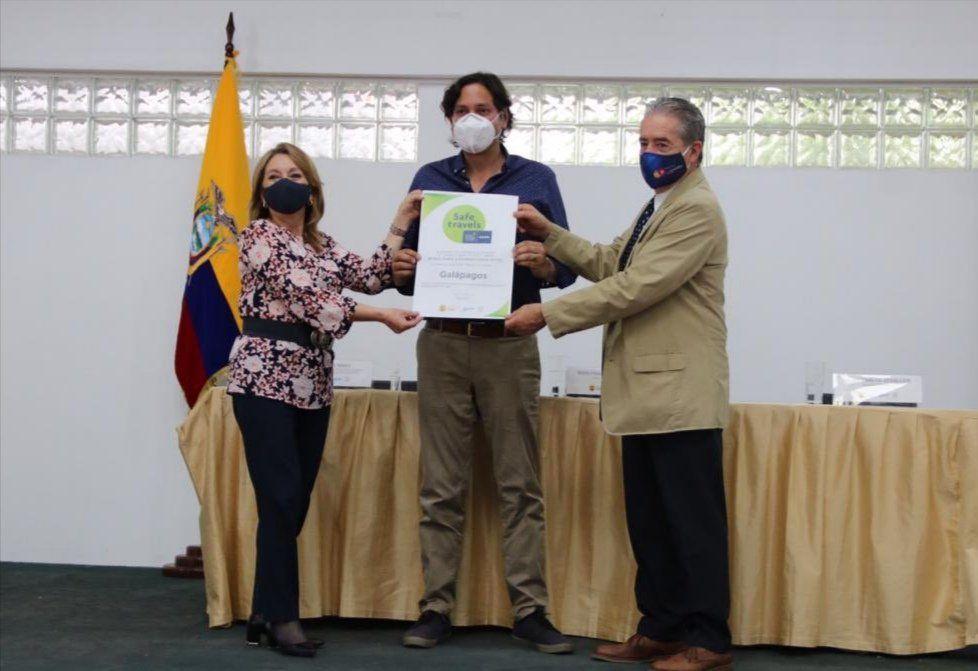 Entrega del Sello Viaje Seguro de WTTC a Galápagos