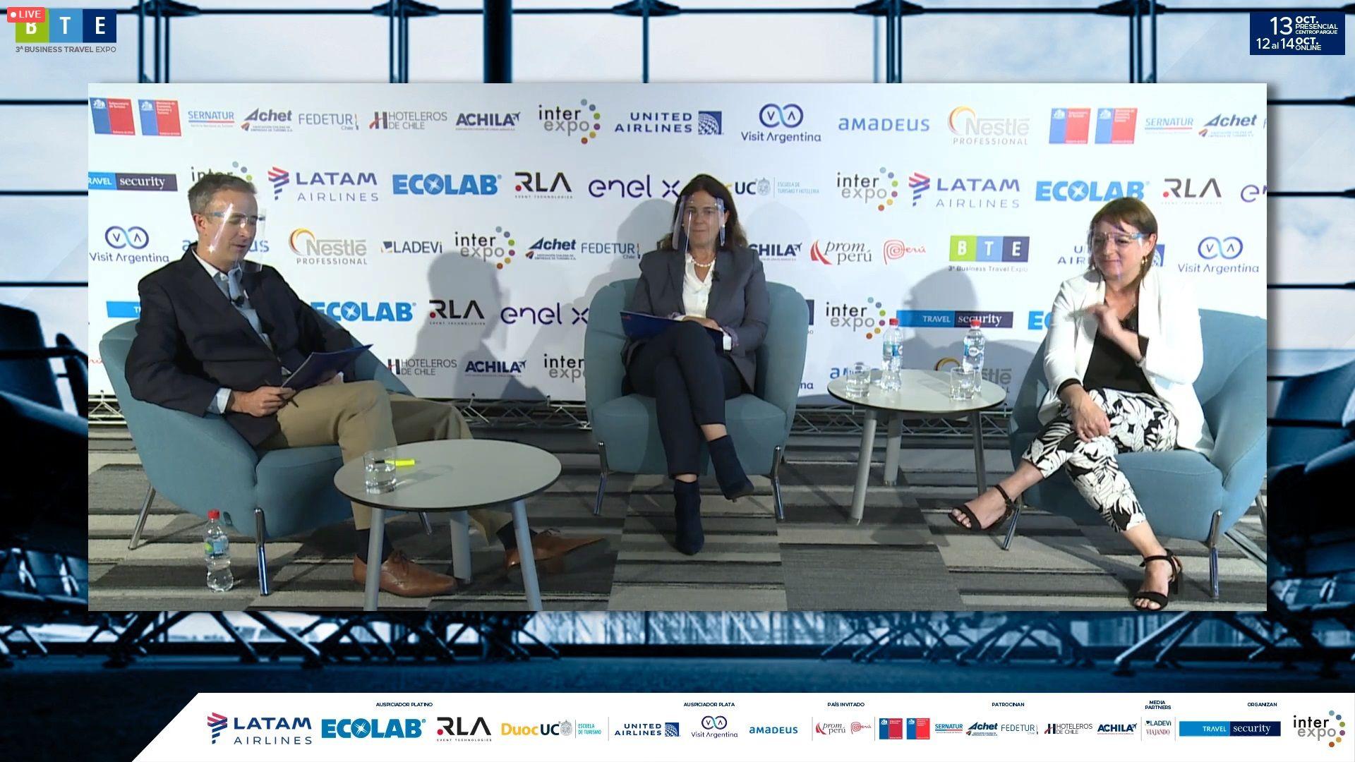 El panel abordó las diferentes facilidades de los países de la región para la llegada de turistas.