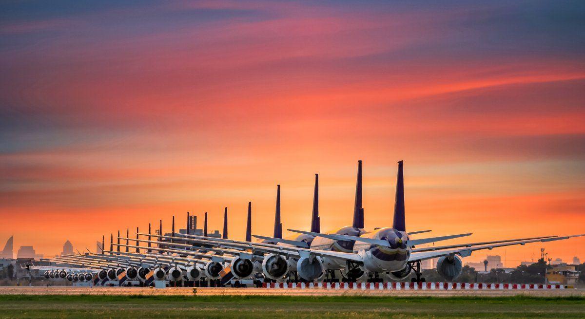 Si bien todavía muchos aviones permanecen en tierra