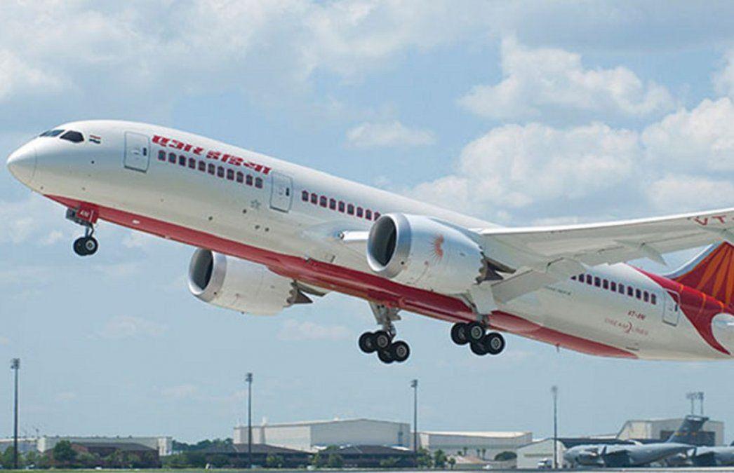 Uno de los Boeing B-787 Dreamliner de Air India.