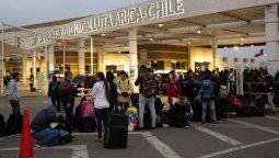 El gobierno de Chile ejecutó el cierre de sus fronteras hasta el próximo 1º de mayo.