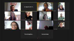 Enrique Mejía, equipo de Mayorista Universal de Viajes liderado por Cecilia Paredes (gerenta General) y asistentes