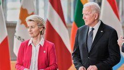 Ursula von der Leyen y Joe Biden durante el acuerdo para fortalecer la industria aerocomercial. Airbus y Boeing serán protegidos contra la china Comac.
