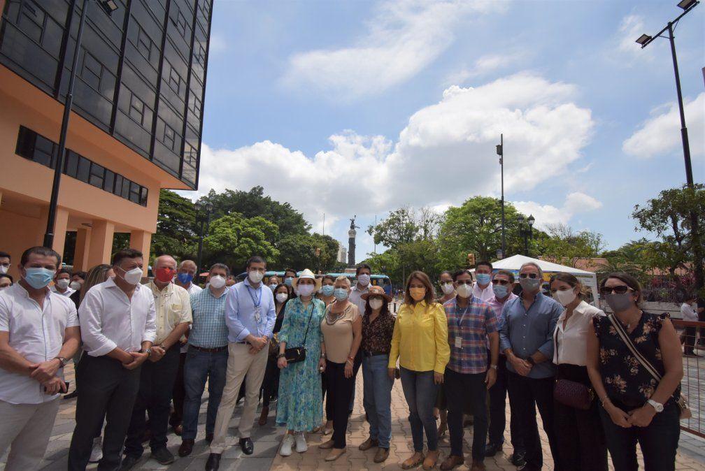 """Representantes del """"Comité Juntos por la Reactivación del Turística del Gran Guayaquil"""" participaron en este recorrido."""