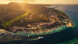 Programado para abrir el 14 de abril de 2022, hotel Sandals Royal Curazao está convenientemente ubicado a solo 24 km. del aeropuerto.