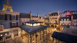 Una mirada al nuevo pabellón de Francia que Disney se apresta a inaugurar en el parque Epcot.