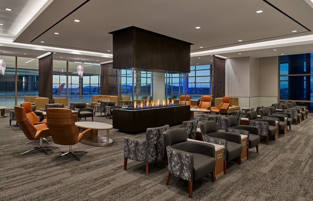 Delta abrió un amplio y cómodo Sky Club en el Aeropuerto Internacional de Salt Lake City.