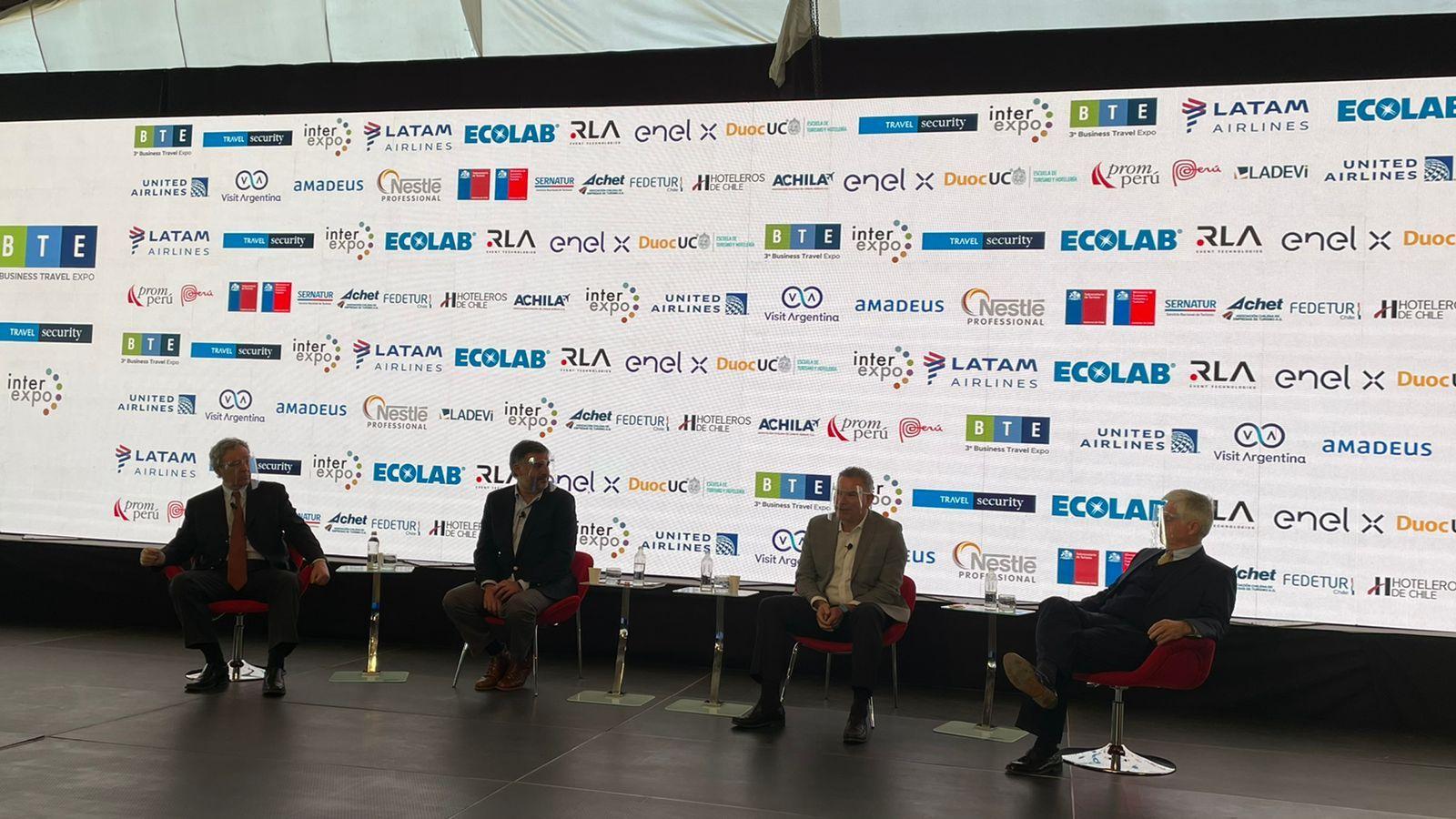 El primer panel del día habló sobre la reactivación del país.