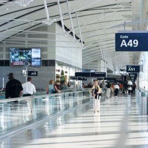 Sernac exigirá a aerolíneas devolver tasas de embarque por vuelos no realizados