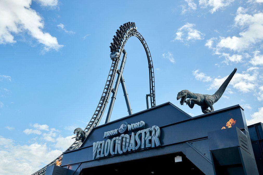 UOR. Jurassic World VelociCoaster se prepara para su apertura