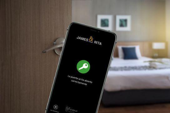 La digitalización de los servicios en hoteles mejora la experiencia del huéspedes.