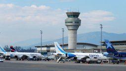autoridades definen el 1° de junio como posible fecha para reactivar vuelos