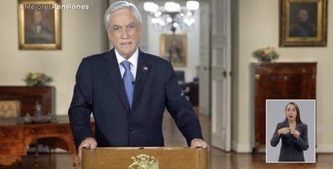 El presidente anunció el plan de reforma a las pensiones por cadena nacional.