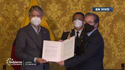 Entrega de los compromisos de Arlae con el gobierno de Ecuador, liderado por el presidente Guillermo Lasso.