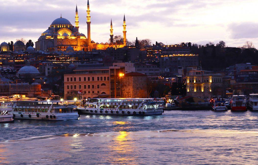 El curso de Ladevi Capacita ofrece al agente de viajes detalles acerca de los principales atractivos de Estambul.