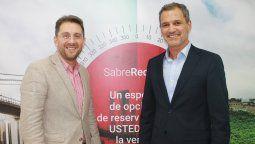 Esteban Velásquez, VP Latam de Sabre; y Alfredo Fernández, CEO de Universal Assistance.