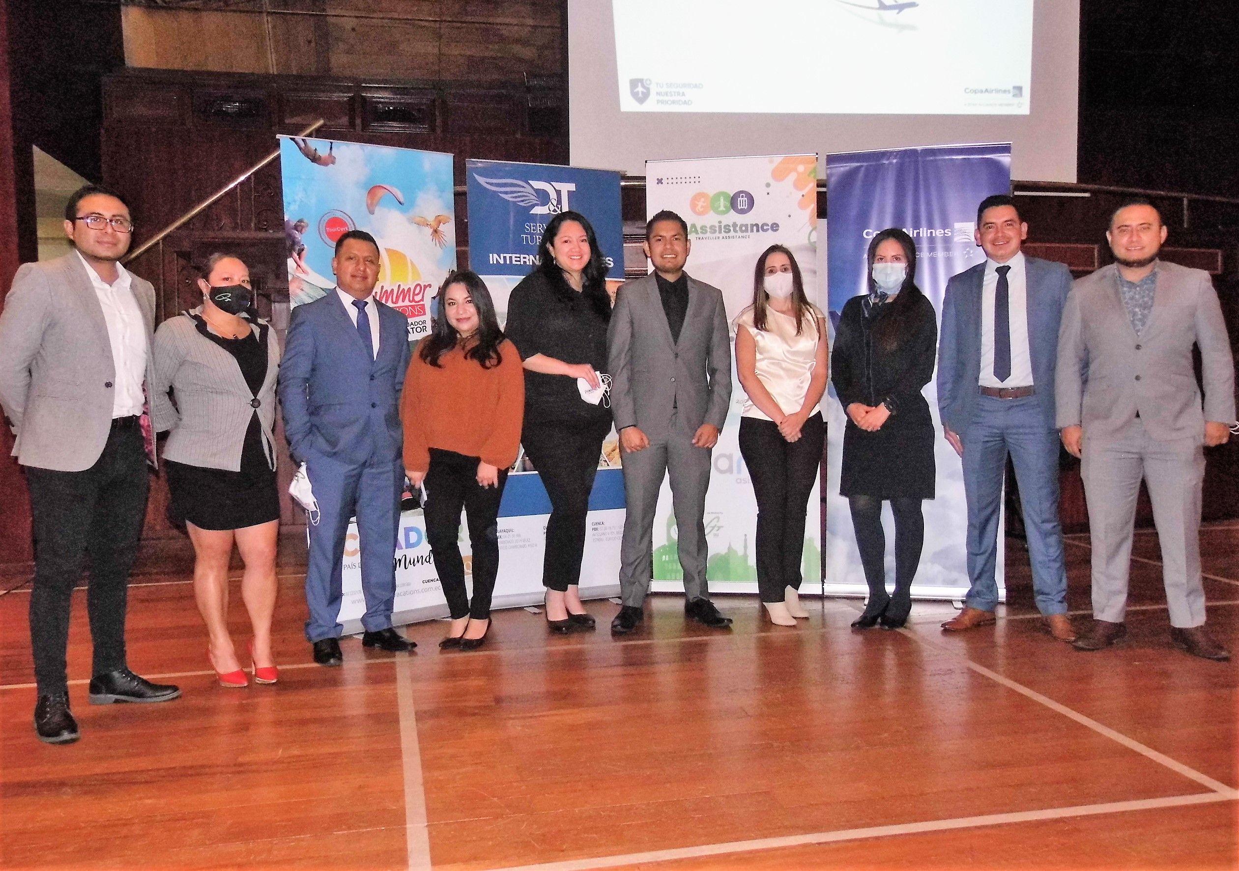 Equipo GTT Quito (incluido Jorge Sánchez) junto a socios comerciales como Copa Airlines.